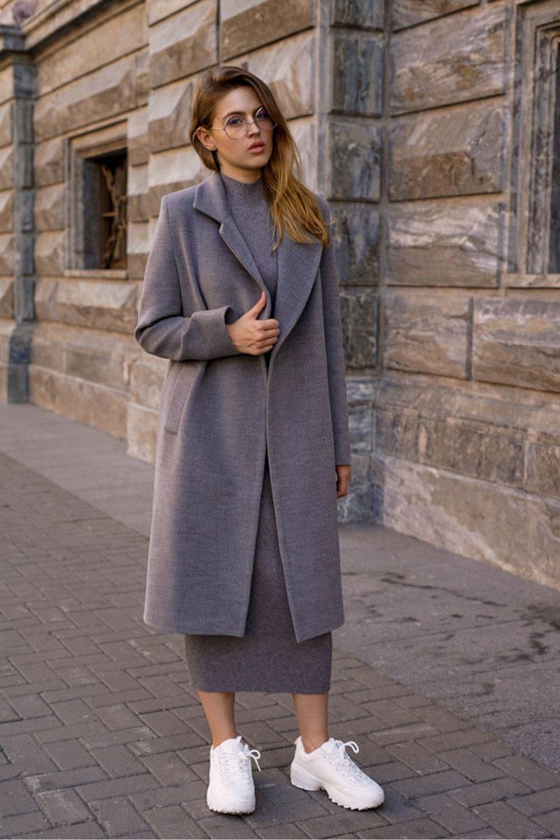длинное серое пальто